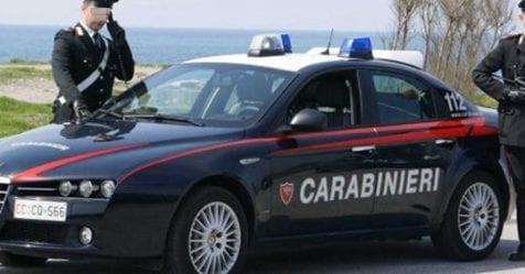 Italiano: Ruba per fame alla Coop: i carabinieri si rifiutano di denunciarlo
