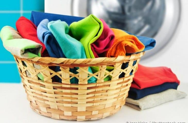 Photo of Bucato: Capi colorati ecco come trattarli ed evitare che si stingano