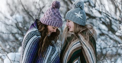 Photo of Sorella: Avere una sorella chiacchierona evita la depressione, secondo studio