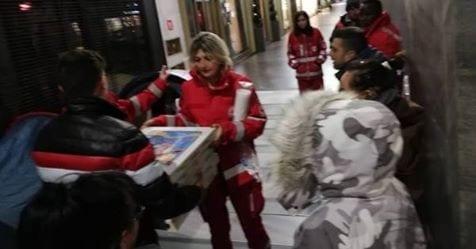 Photo of Pizzeria: Dona 60 pizze ai clochard