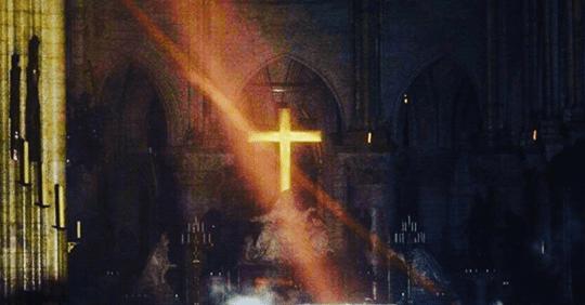 Photo of Notre-Drame: il tesoro è salvo: il miracolo della croce e dell'altare
