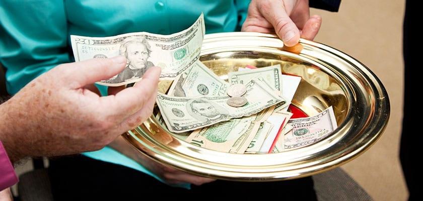 Photo of Donare in chiesa:  ora è possibile anche con il bancomat!