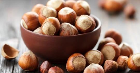 Photo of Dieta delle nocciole:  proteggi il cuore e tieni a bada il colesterolo