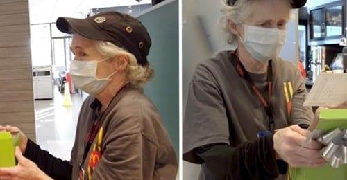 A 65 anni lavora tutti i giorni al fast food per pagare le bollette: per premiarla, le donano 6000 $ e una nuova auto