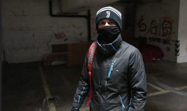 """Daniele dice addio al letto in un parcheggio: """"Ho rischiato di morire per il freddo"""
